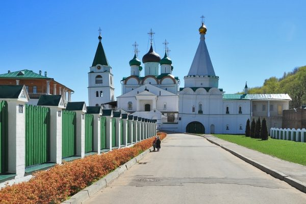 Колокольня, собор Вознесения Господня и церковь Евфимия Суздальского