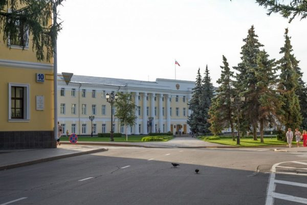 Правительственные здания в Нижегородском кремле