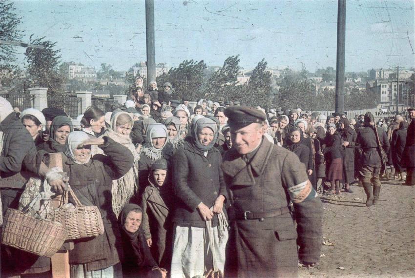 Украинские полицаи в Киеве, 1941: