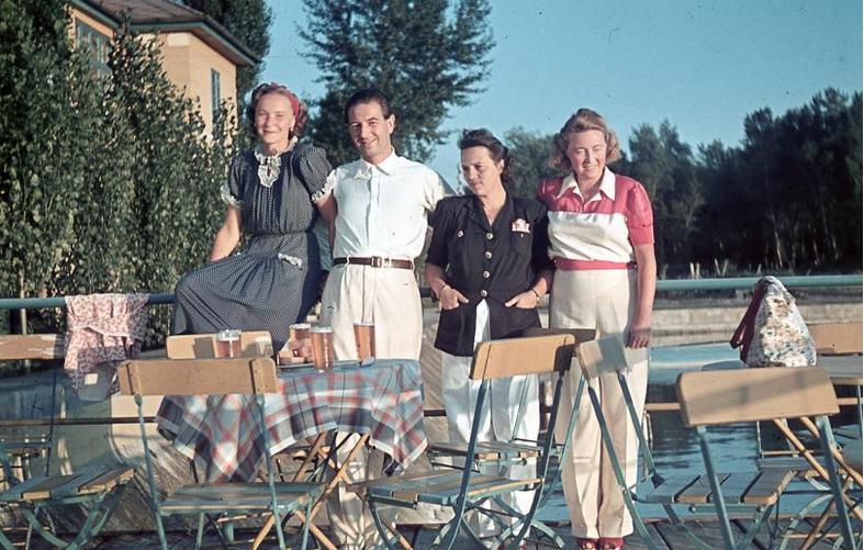 Тем временем в фашистской Венгрии кто-то успел неплохо отдохнуть на озере Балатон, 1941: