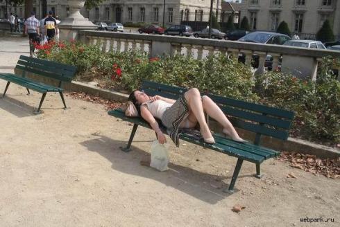Секс втроем в парке на лавочке присоединяюсь
