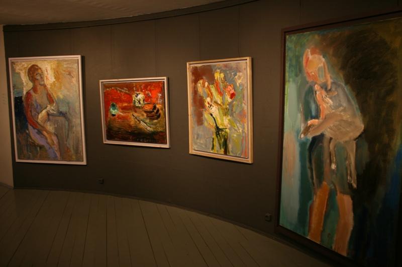 Выставка Аси Феоктистовой Осколки рая