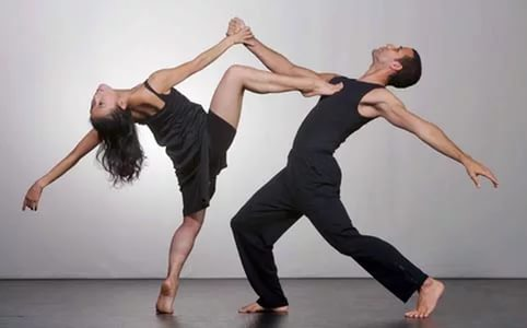 Расписание на четверг  в студии DANCE LIFE