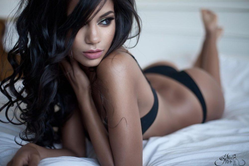 самые сексуальные брюнетки - 12