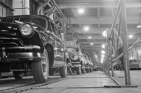 горьковский автозавод, выпуск старых авто, ретро-фото, город горький