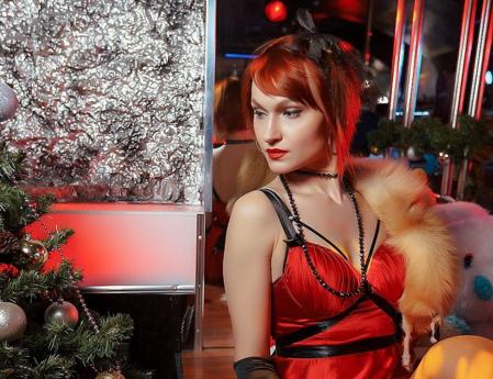 Рина Дюдина в кафе Самурай
