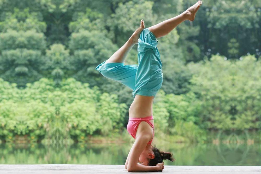 Женская йога по понедельникам