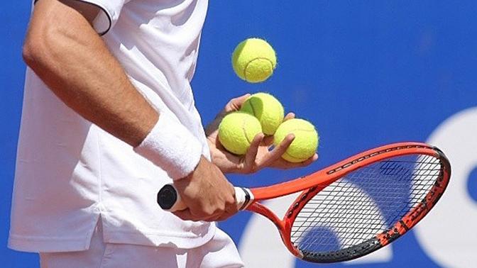 Теннисный турнир для взрослых любителей