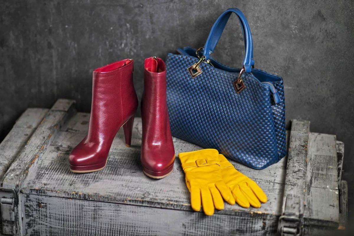 Скидки до 70% на женскую обувь и сумки