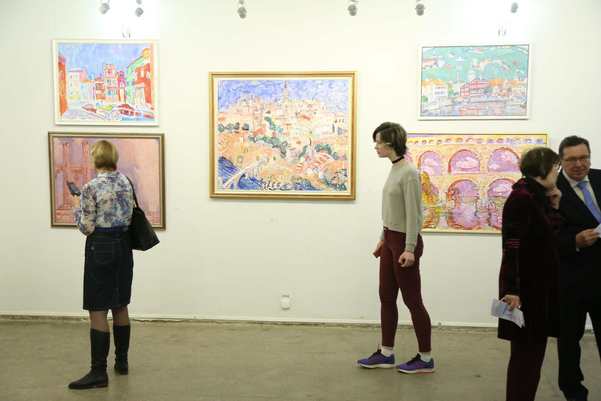 Выставка петербургского художника Игоря Петрова Дух места