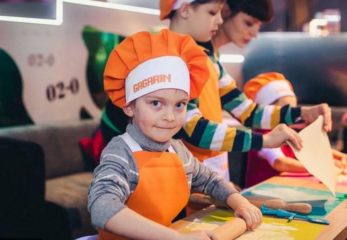 Пустите детей на кухню в кафе-клубе Gagarin