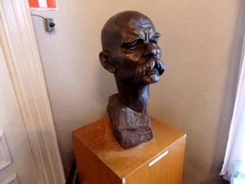 Выставка, посвящённая 100-летию со дня рождения скульптора П.И.Гусева