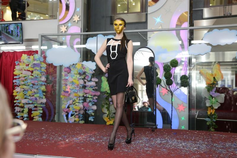 Модный показ в ТЦ Республика