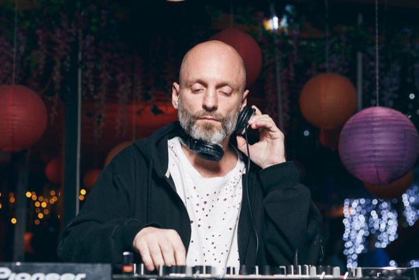 Вечеринка с DJ VINI