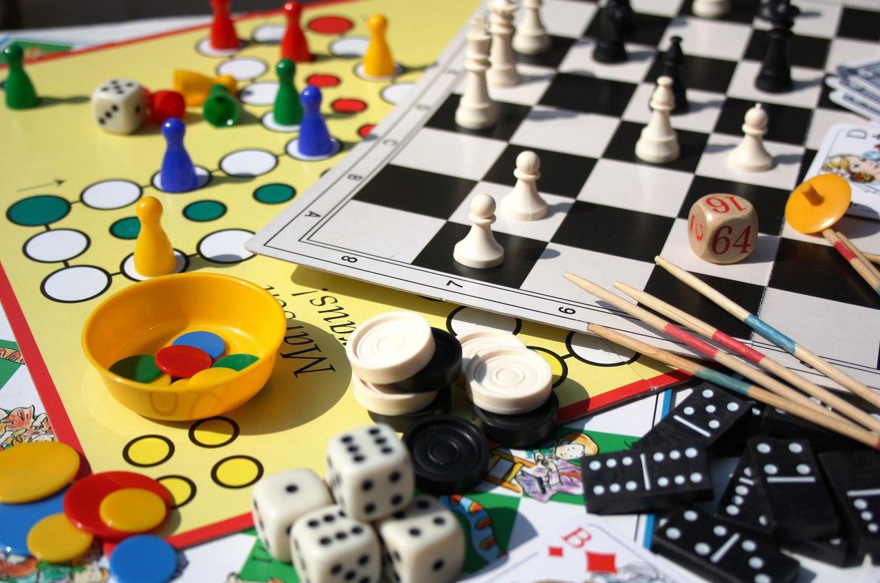 Board games with a native speaker в Циферблате