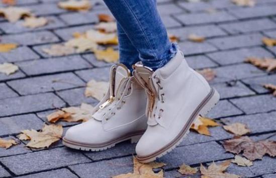 Скидки до 50% на осеннюю обувь