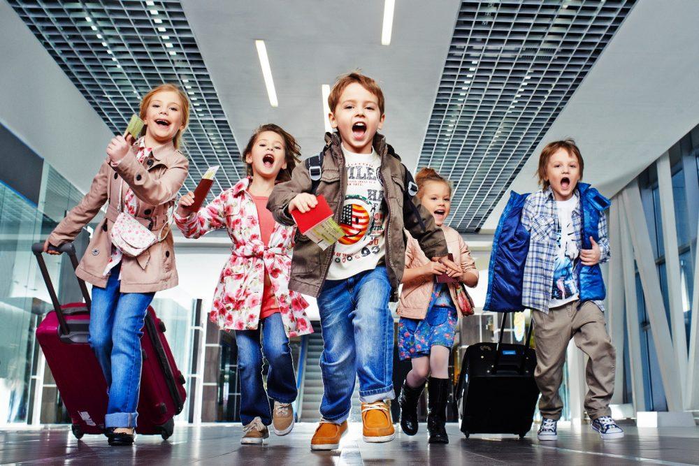 e1280ccba11a Распродажа детской одежды со скидкой 50%