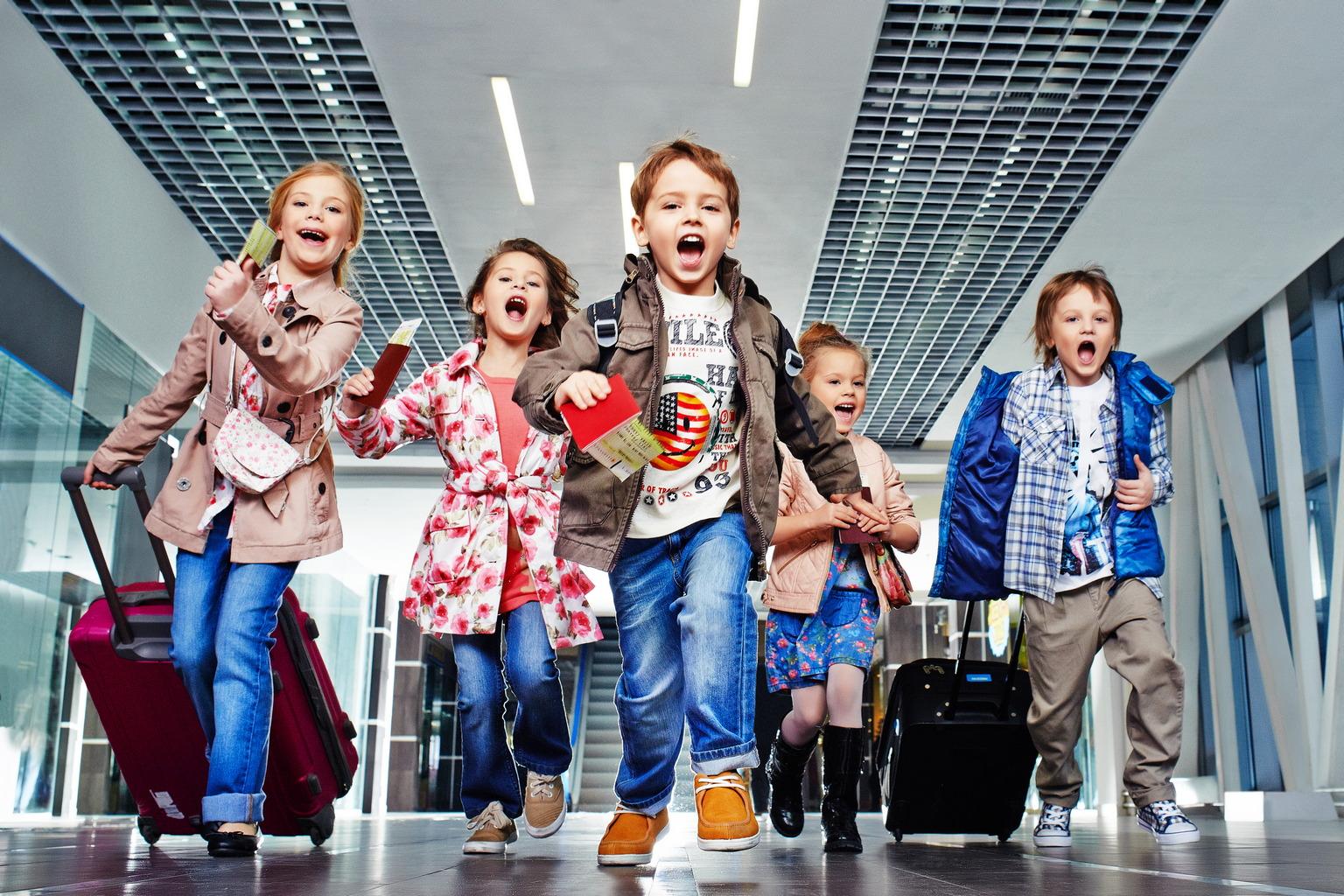 Распродажа детской одежды со скидкой 50%