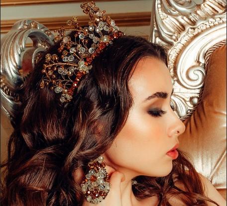 выставка авторских украшений Ольги Шанаевой Корона женщине к лицу