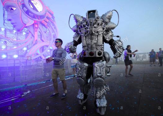 Сюрпризы зоны технологий фестиваля Alfa Future People