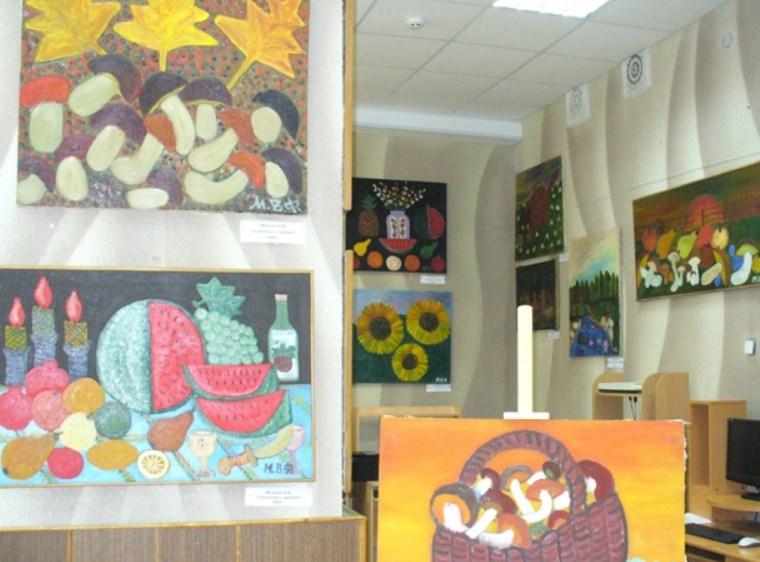 Выставка Красочный мир Владимира Мизинова