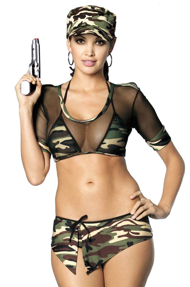 Трусики девушки в военной эротической форме