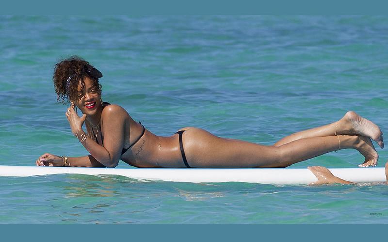 Домашние селфи Rihanna