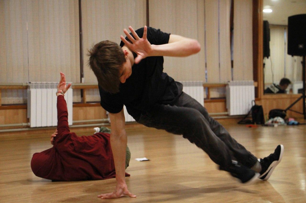 Фестиваль современного танца Шапка 2.0