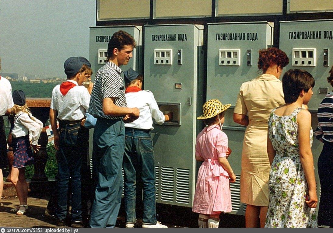 Небывалый всплеск ностальгии по советским временам и тоски по «величию своей страны»