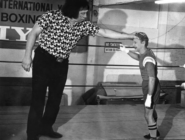 2. André meets professional boxer Bobby Chacon in 1979.