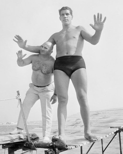 "5. By age 12, André was 6'3"" and weighed 240 pounds."
