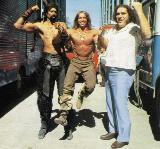 9. André the Giant lifted Arnold Schwarzenegger in the air while shooting Conan the Destroyer, 1984.