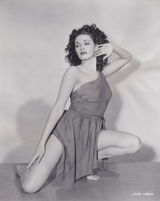 19. Yvonne De Carlo - c.1947