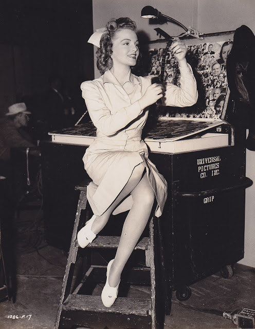 21. Elyse Knox - c.1943
