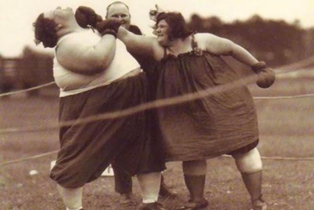 старинные фотографии женщин-боксеров