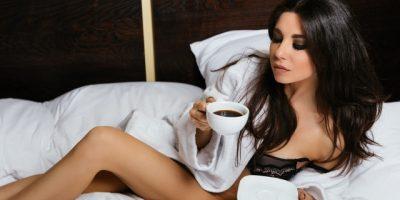 фотосессия Анны Плетневой в постели